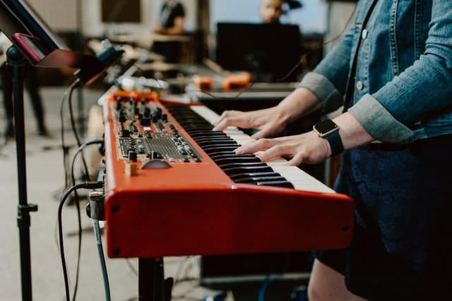 E-Piano kaufen – worauf achten   Komplett-Ratgeber 2021