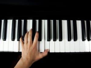 Einfach nur Akkorde spielen? Ohne Melodie?